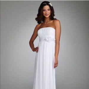David's Bridal white wedding dress / white gown